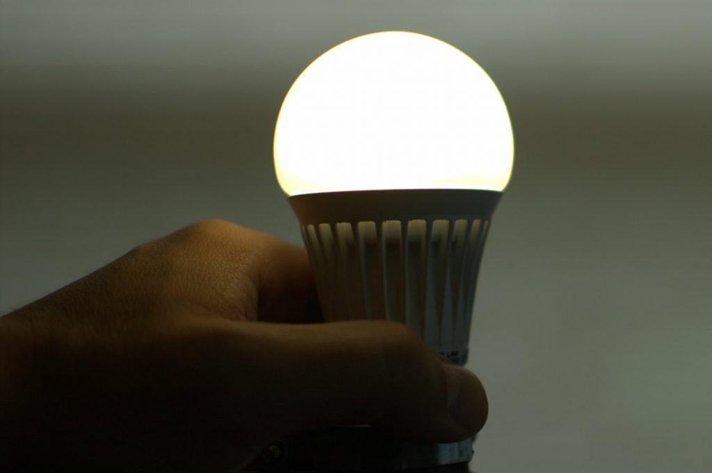 Đèn led bị mờ