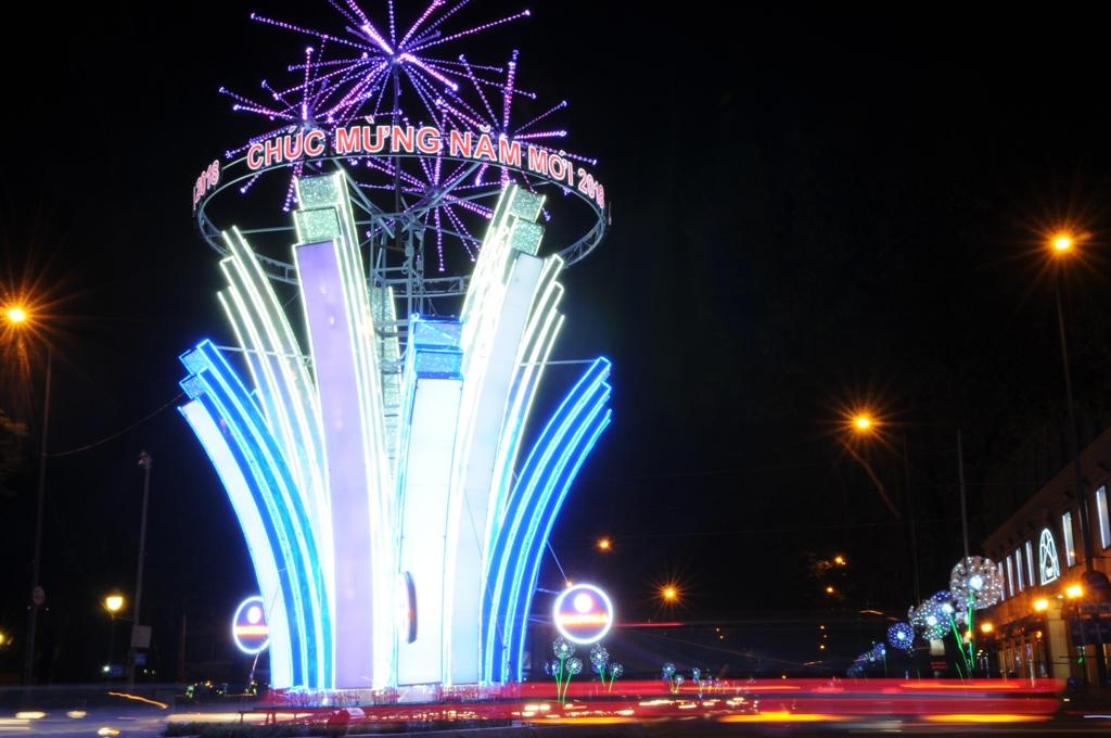 Trang trí đường phố bằng đèn led cây